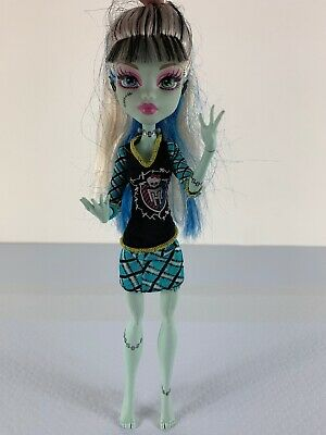 "Monster High - Frankie Stein 10"" doll, Mattel 2008 No Shoes"