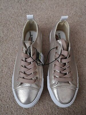 Ladies/Girls Gold Pumps Trainers Shoes BNWT Size 4 From Papaya Matalan