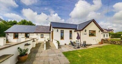 Wheelchair friendly holiday cottage in Anglesey,sleeps 6,pets allowed,Oct 11-18