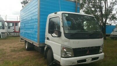 Mitsubishi Fuso Canter 2007 Furniture Pantech Truck. Courier Pan
