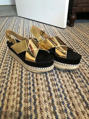 0c47c3828ae ZARA GOLD wedge sandal size 4 in good condition - £11.00 | PicClick UK