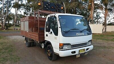 Isuzu 2005 NPR400 service body mobile workshop truck.. EX GOV
