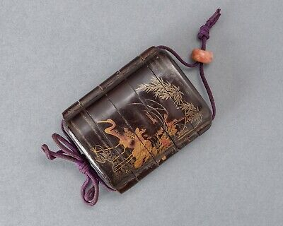 MAKIE INRO Traditional Japanese lacquered case for holding small objects samurai