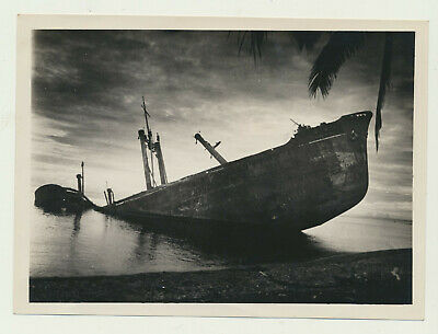 WWII PHOTO JAPANESE CARGO SHIP  NEW GUINEA BY KIA PILOT 1-14-1945 360th ASG