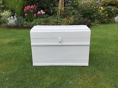 Shabby Chic 19th Century, Dome Top Trunk In Pale Grey