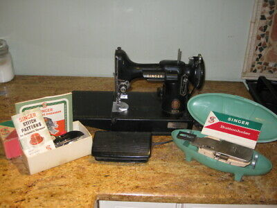 Vintage Singer Featherweight Sewing Machine 221 with Accessories WORKS No Case