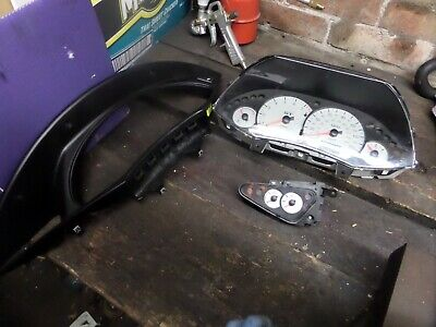 Ford Focus St170 Mk1 Speedo Clocks Oil Pressure Temperature And Surround