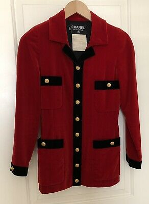 Chanel Red Velvet Jacket With Gold CC Buttons/Size 34/Made in France