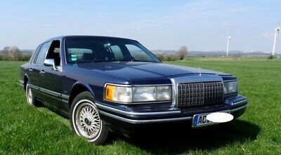 1994 LINCOLN TOWN CAR Signature Series 4.6 L V8 USA FORD