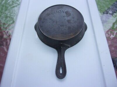 Antique Arch Logo Wagner Toy Or Salesman Cast Iron Skillet