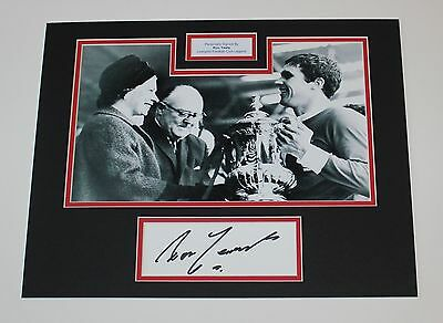 RON YEATS Liverpool Genuine HAND SIGNED Autograph Photo Mount Display + COA