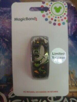 Disney Parks Halloween 2019 Mickey Mouse Vampire LR Magic Band In Hand