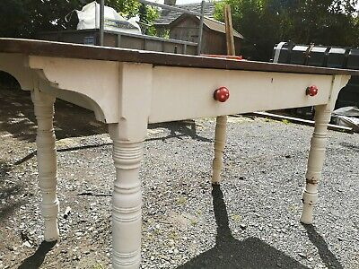 Pretty Victorian Large Table with turned legs & huge drawer