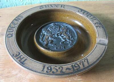 Poole Pottery Guy Sydenham Queen's Silver Jubilee Ashtray Collectable/Decorative