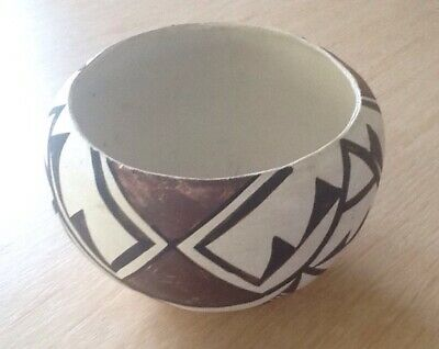 Very Old Native American Acoma Indian Pot - Pre-Owned - Part of a Collection.