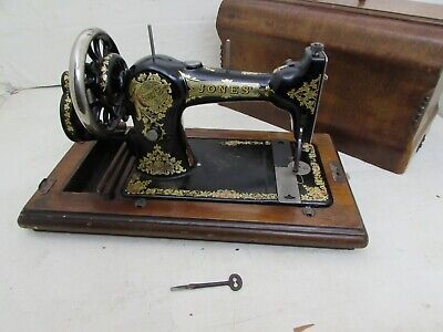 Family C.S Jones English Made Sewing Machine Serial 406948 Co. 1930