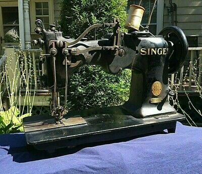Singer Hemstitcher Double Needle Sewing Machine No. 72W19