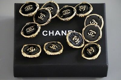 Chanel buttons lot of 6   size 0,8 inch 20 mm logo CC black & gold metal