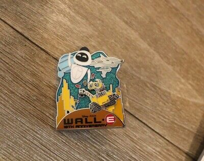 DISNEY CAST EXCLUSIVE MOVIE 10th ANNIVERSARY DISNEY/PIXAR WALL-E LE 500 PIN