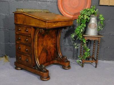 A Good Quality Antique Early 19Thc Walnut Davenport Desk