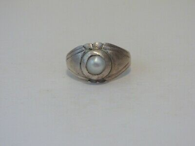 """Ancient Roman (or Medieval?) Silver Ring inset with a Pearl. """"Magic Eye"""""""