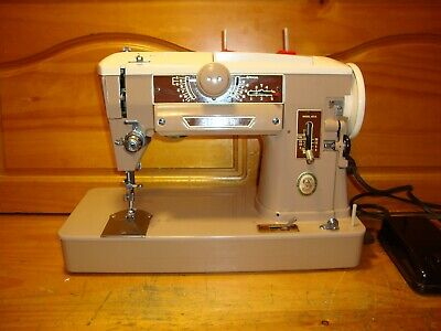 Vintage Singer Sewing Machine Model 401A, Zigzag, Gear Driven , Case,  Serviced