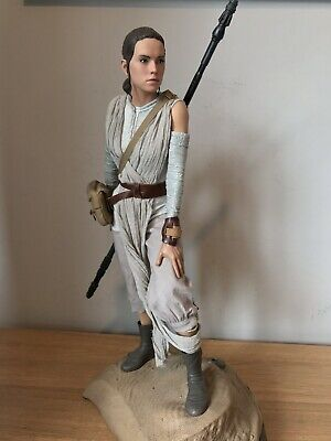 Sideshow Collectables Star Wars - Rey - Premium Format Statue Collectors Edition