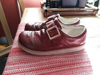Clarks girl shoes size 11 1/2 F