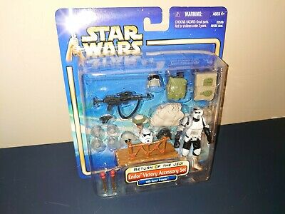 Star Wars Endor Victory Accessory Set w/ Scout Trooper ROTJ SAGA 2002 Deluxe New