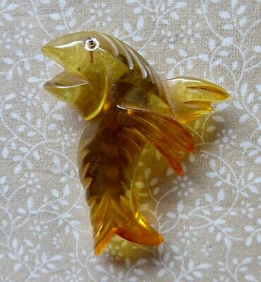 Vintage Art Deco Large Carved Applejiuce Bakelite Clip Dancing Fish 1930s