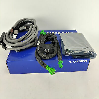 GENUINE Volvo V70 XC70 Reverse Camera Kit 31330629