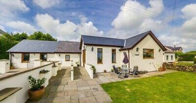 Wheelchair friendly holiday cottage in Anglesey,sleeps 6,pets allowed,Nov 29-6