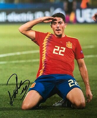 Pablo Fornals signed Spain 10x8 photo UACC AFTAL RACC Trusted dealer Image A