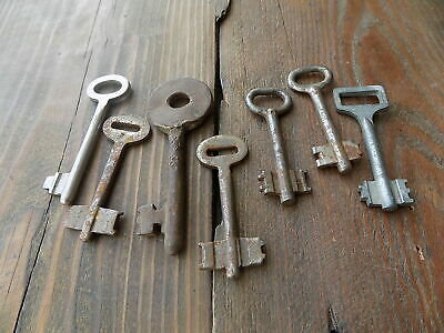 Lot 7 Antique Vintage Old Skeleton Key Door Keys Rustic Home Decor Steampunk