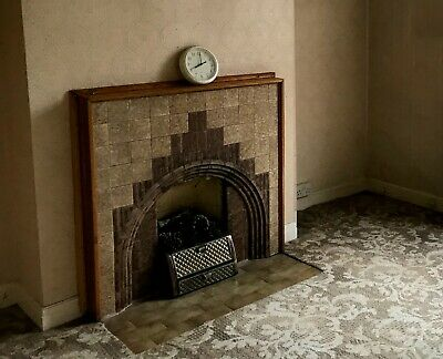 1930s Art Deco Feature Fireplace. Tiled Back And Hearth. Good Condition.