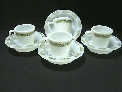 PYREX ANCHOR HOCKING Crazy Daisy Milk Glass Coffee Mugs Cups & Soup Cereal Bowls