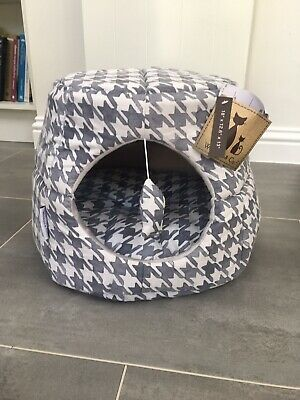 Grey Geometric Pattern Cat Bed Igloo - Collapsible 2 In 1 Style - New With Tags