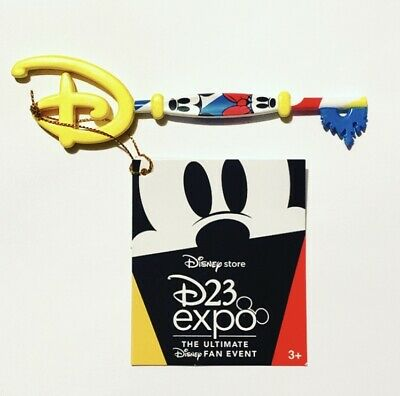 Disney Store D23 Expo 2019 Exclusive Mickey & Minnie Key Special Edition NEW!