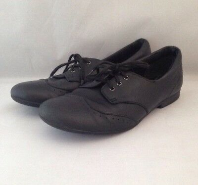 Clarks Girls Black Leather Shoes Brogues Lace Ups Size UK 13.5 / EUR 32.5 VGC