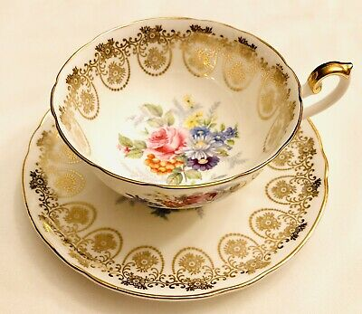 VINTAGE Shelley rose bouquet floral with gold teacup & saucer in excellent cond