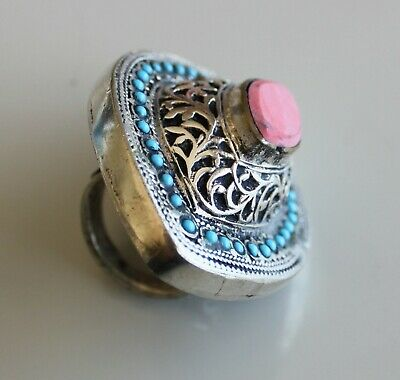 Very large 'native silver' stone set ring.