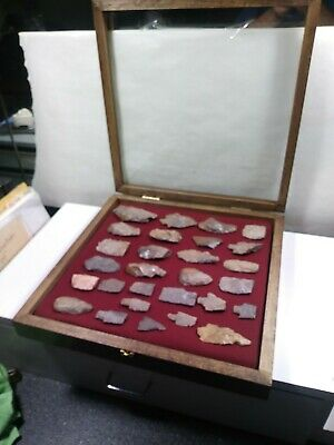 """INDIAN Tools Arrowheads Knife points With Large 17×17"""" Handmade Display Case"""