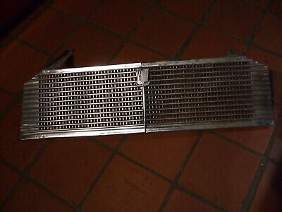 TRIUMPH HERALD 1250 COMPLETE FRONT GRILL EXCELLENT ORIGINAL with top brkts