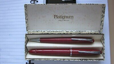 Vintage Platignum Fountain Pen and Pencil Set - Red in original box. Good