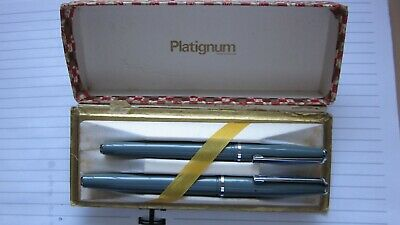 Vintage Platignum Fountain Pen and Pen Set - Grey in original box.