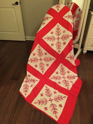 Vintage Red & White Embroidered Hand Made Quilt Star Pattern 4.5 Star Free Ship