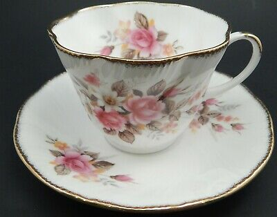 Vntg Queen's China Staffordshire Fine Bone China Tea Cup & Saucer Summer Glory