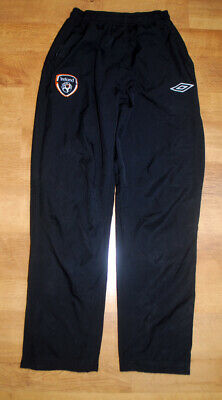 Umbro Ireland training pants (Size S)