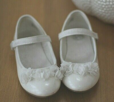 Girls White Occassion Ballet Pump Style Shoes Infant Size 11 Worn Once