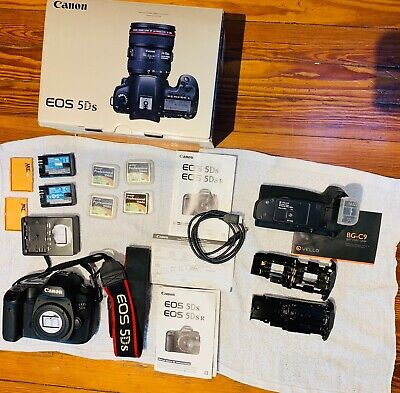 Canon EOS 5DS 50.6MP -extra Cards - Battery Grip - Extra Batteries